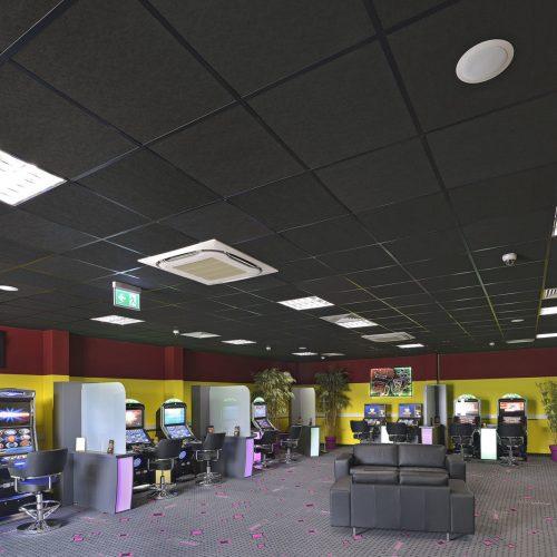 Salle de jeux dans l'Autohof 24 à Knüllwald en Allemagne